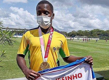 Torcedor declarado do Bahia, Jefinho esteve na Cidade Tricolor