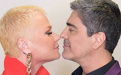 Xuxa nega romance com mulheres e diz que 'transa muito' com o marido: 'Adoro'