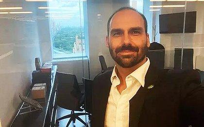 Eduardo Bolsonaro na sede da rede social GTTR, em Nova York