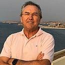 Laurentino Gomes visitou lugares como a Baía de Luanda, em Angola, durante pesquisa do livro