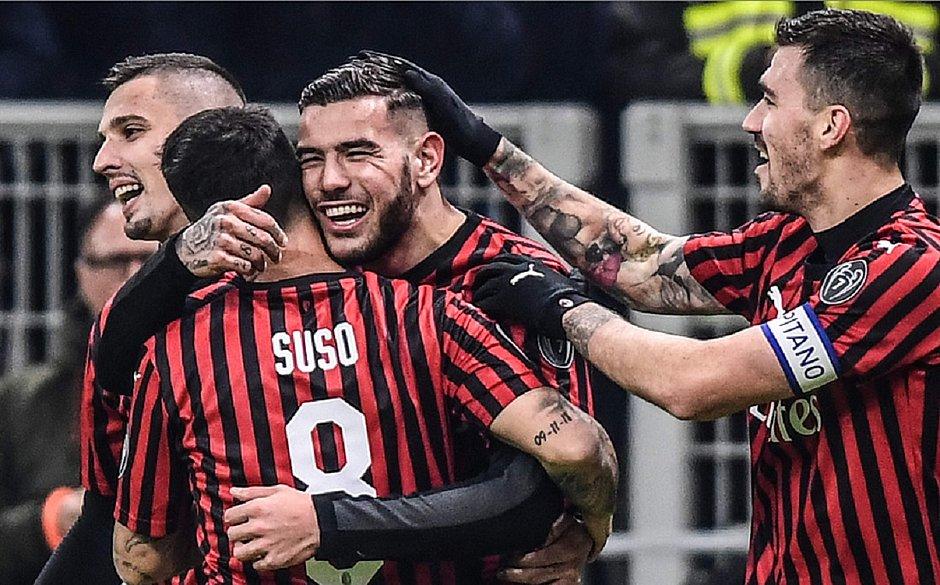 Milan vence SPAL e avança às quartas da Copa da Itália