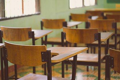 Maioria das escolas municipais ainda discute retorno em 2021, diz pesquisa