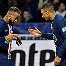 PSG de Neymar e Mbappé lidera com folga o Campeonato Francês