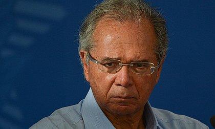 Preservar economia não significa sair do isolamento, diz Guedes