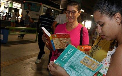 """Agentes e parceiros participam da mobilização e vão """"esquecer"""" livros nos pontos focais da ação"""