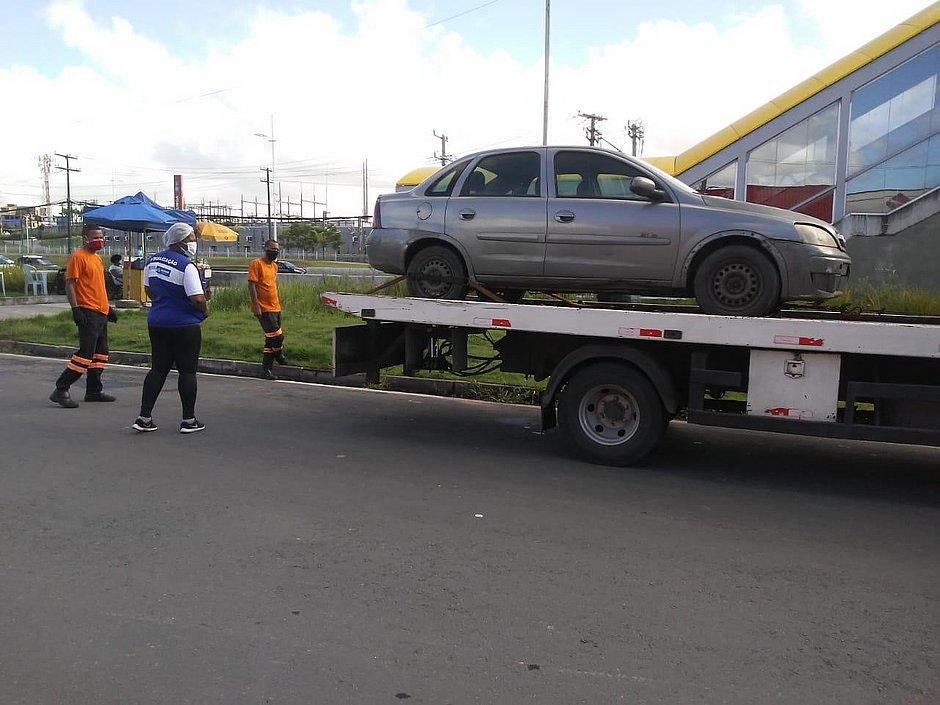 Feira clandestina de veículos é desarticulada novamente na Paralela