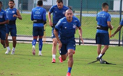 Com retorno de Nino Paraíba, Bahia treina de olho no Botafogo
