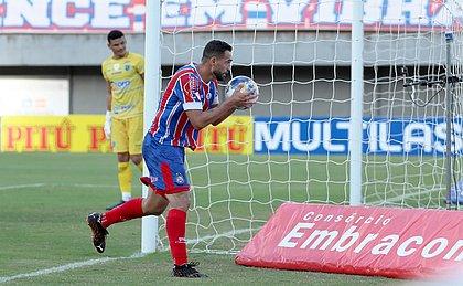 Gilberto marcou quatro dos cinco gols do Bahia na goleada sobre o Altos, pela Copa do Nordeste