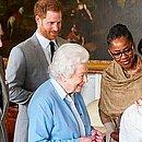 Elizabeth quando conheceu o bisneto, Archie, filho de Meghan e Harry