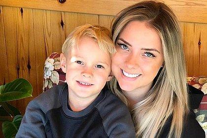 'Foi difícil ser mãe do filho de Neymar', diz Carol Dantas
