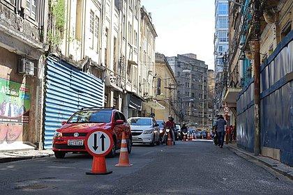 Trecho da Rua Chile é interditado para obras