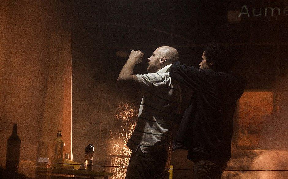 Teatro-filme Escorpião terá temporada na Sala do Coro do TCA