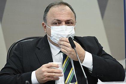 Pazuello diz que Pfizer não ficou sem resposta e clima esquenta na CPI da Covid