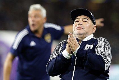 Médico diz que Maradona tentou se suicidar em Cuba