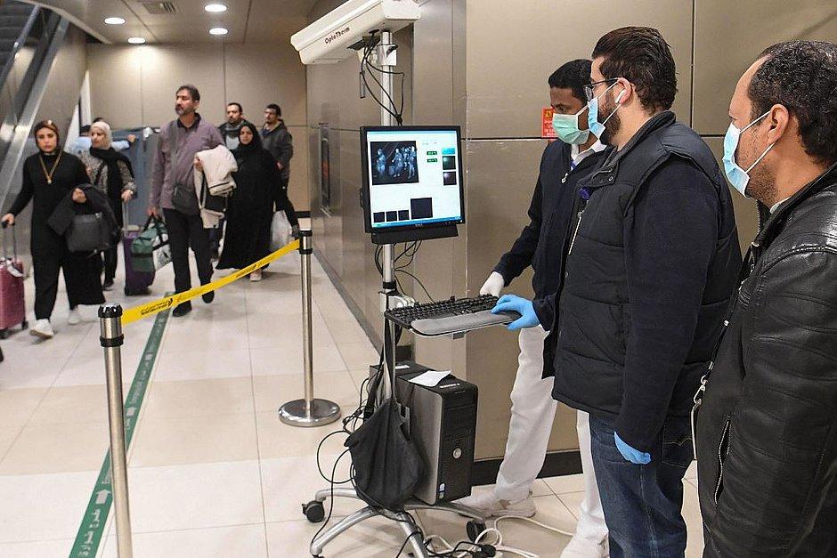 Coronavírus: empresas cancelam viagens de funcionários e aéreas cortam voos