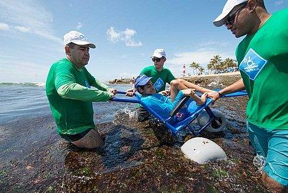 Praia de Boa Viagem receberá projeto de banho assistido para deficientes