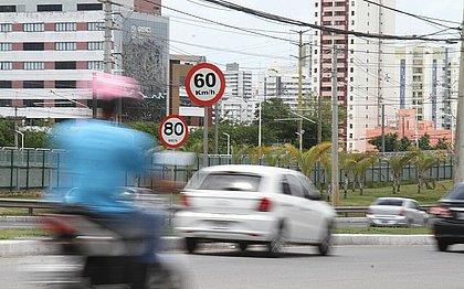 Com o pé no acelerador: multas por velocidade crescem 32% no primeiro semestre