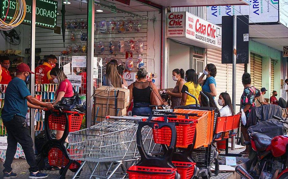Mau exemplo: casos de covid-19 crescem em Feira de Santana após abre e fecha do comércio