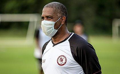 Jonilson Veloso deixou o comando do time, mas ainda vai ter situação analisada pelo Jacuipense