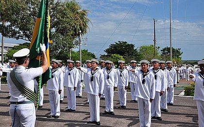 Marinha abre 1 mil vagas para nível médio