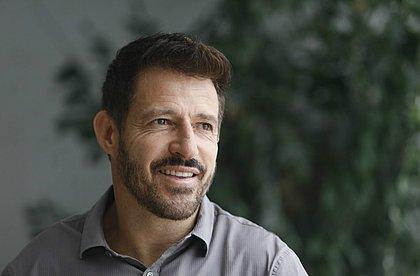 Ramon está com 46 anos e dando os primeiros passos como treinador