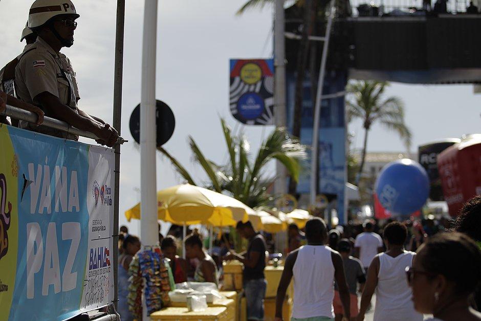 Carnaval de Salvador terá 2 mil vagas para ambulantes; cadastro começa segunda (18)