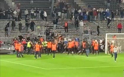 Confusão no jogo entreAngers e Olympique de Marselha