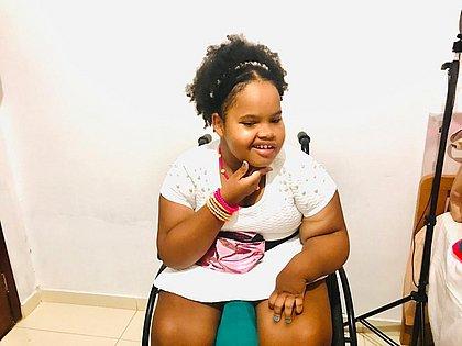 A mãe de Cecília, garotinha de 9 anos, gostaria que ela pudesse ser protegida logo