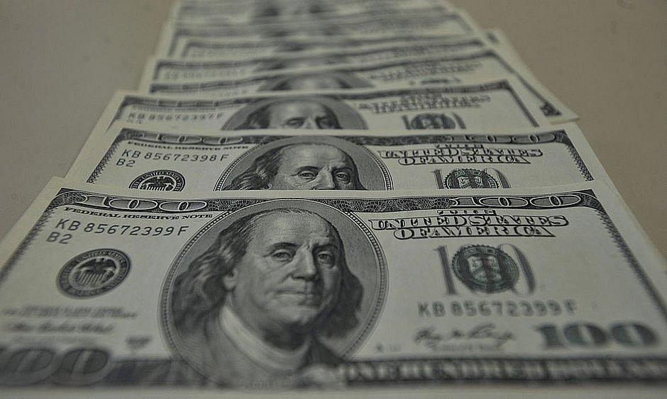 Dólar fecha abaixo de R$ 5,15 pela primeira vez em duas semanas