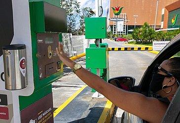 Entrando de carro no Salvador Shopping