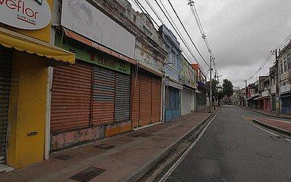 Lojas de rua estão fechadas durante crise