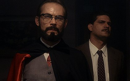 José Wilker em O Homem da Capa Preta