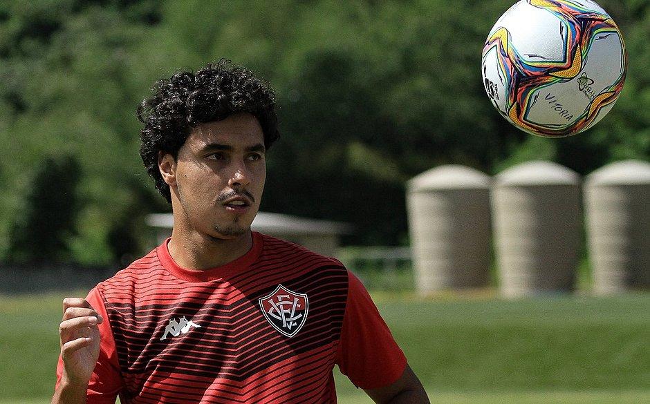 Alisson Farias é o artilheiro do Vitória na temporada, com cinco gols