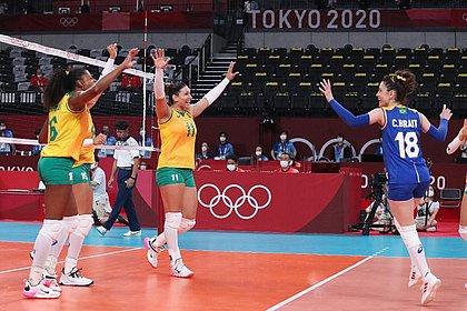 Vôlei feminino passa fácil pela Coreia do Sul e estreia com vitória em Tóquio