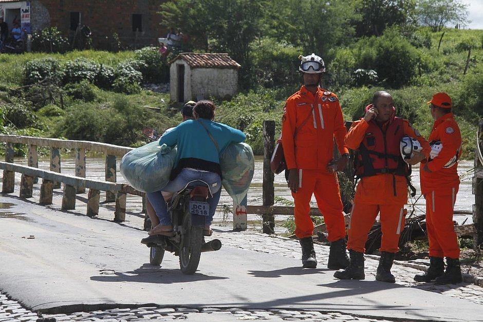 Coronel João Sá: cidade alagada por rompimento de barragem sofria com a seca