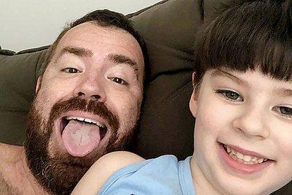 Pai de Henry revela último pedido do filho: 'Deixa eu ficar mais um dia com você'