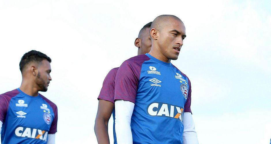 5cda4eb28aafb Nino Paraíba vai desfalcar o Bahia contra a Chapecoense (Felipe Oliveira   EC  Bahia )