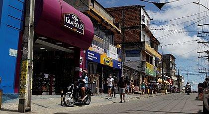 Movimentação nessa terça-feira (8) nas ruas do bairro