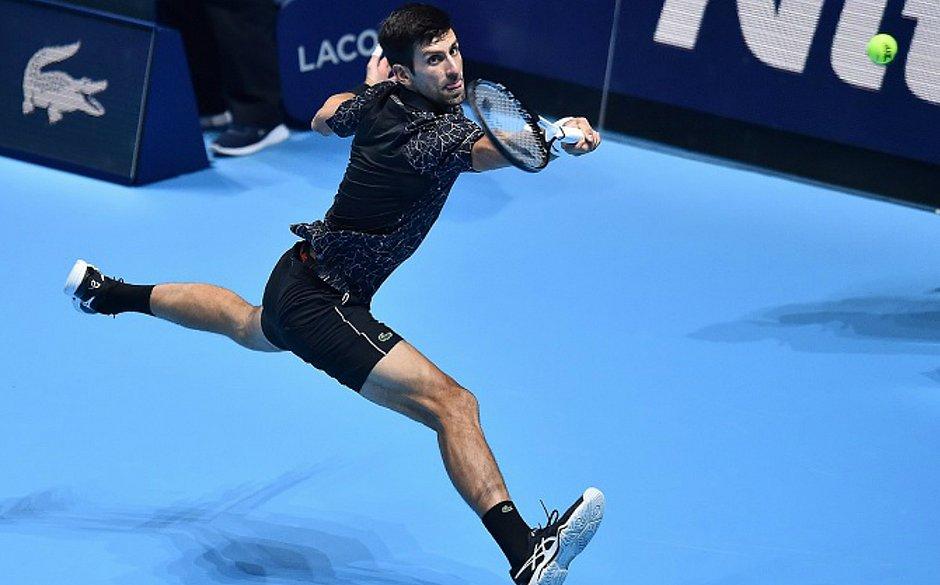 Djokovic vence Zverev no ATP Finals