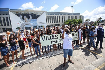 Registro do fotojornalista Tiago Caldas que faturou prêmio