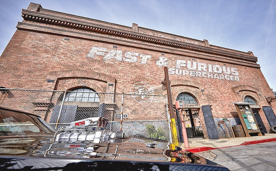 A fachada de Fast & Furious – Supercharged no Universal Orlando Resort
