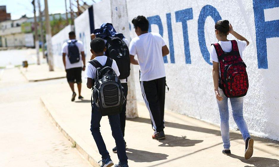 Justiça autoriza retorno das aulas presenciais na rede privada do DF