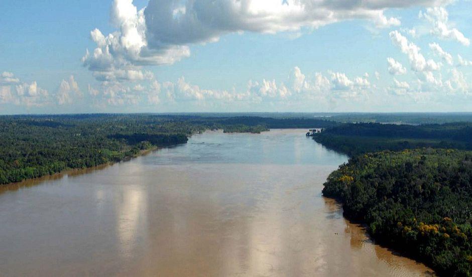 Navio naufraga com 70 pessoas e deixa dez mortos no Pará
