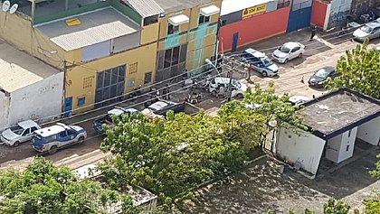 Suspeitos de assaltos foram baleados durante perseguição policial na manhã deste sábado (16), em Salvador
