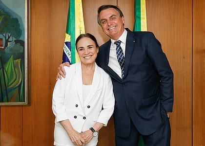 Bolsonaro apoia pressão de aliados para que Regina Duarte deixe cargo