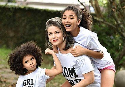 Samara Felippo e as filhas, que são fruto do relacionamento dela com o jogador Leandrinho