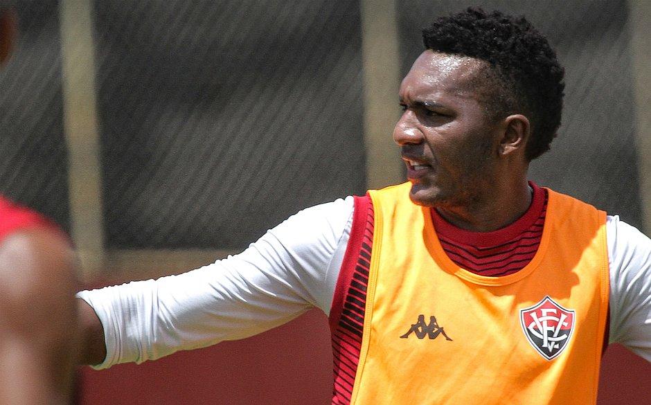 Eron é o artilheiro do Leão com quatro gols