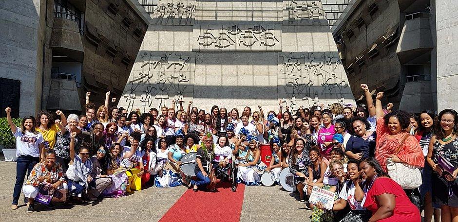Bahia aprova primeiro manifesto Por Mais Mulheres no Poder; leia