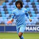 Aké revelou morte do pai pouco após marcar gol na Liga dos Campeões