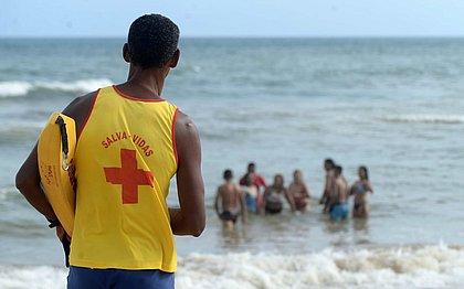 Salvamar pede cuidado aos banhistas durante os festejos de Iemanjá